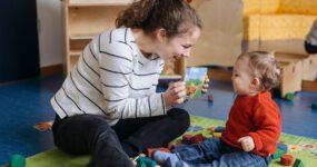Psychosoziales Wohlbefinden von Kleinkindern in Kitas